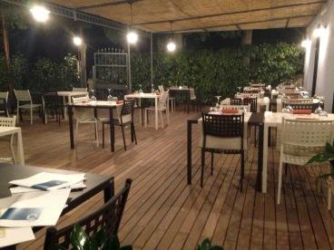 cavemare-patio